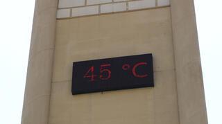 Diyarbakırda termometreler 45 dereceyi gösterdi
