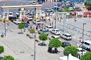Çanakkale feribot iskelesinde tatilcilerin dönüş yoğunluğu