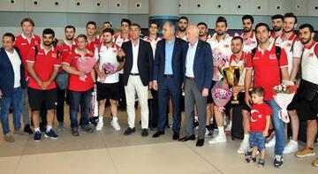Avrupa şampiyonu A Milli Erkek Voleybol Takımı, yurda döndü