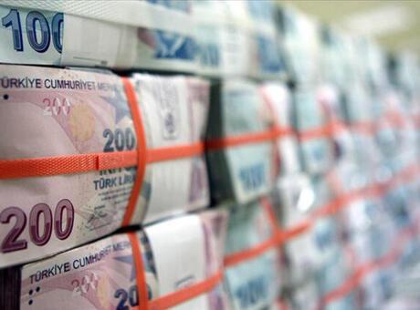 Bütçe 7,8 milyar lira fazla verdi