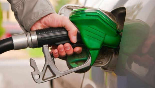 Benzin fiyatında indirime gidildi