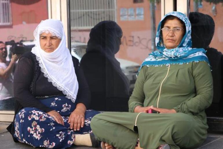 HDPliler ile aileler arasında gerginlik Başlarım sizin Kürdistan davanıza...