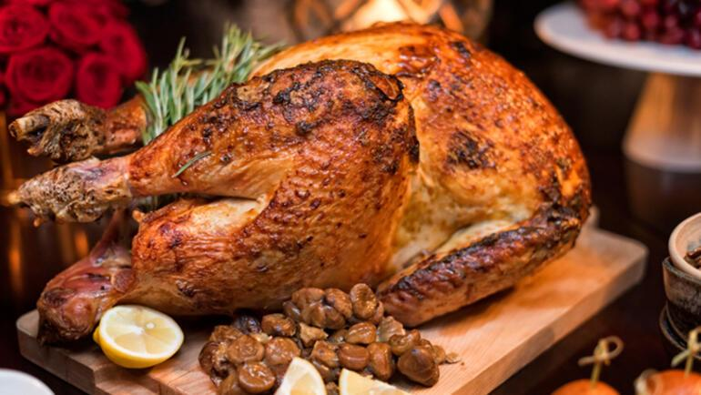 5e04730755427f1c7c0ce296 - Fırında Sebzeli Bütün Tavuk tarifi yapılışı