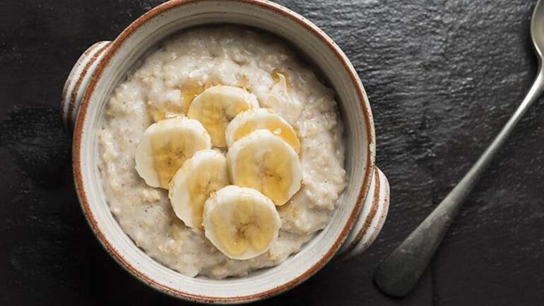 5e1439915542872210416a65 - Sabahları içinizi ısıtacak 6 lezzetli yulaf lapası tarifi