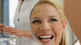 Dişleriniz gülüşünüzü etkiliyorsa dikkat!