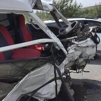 Arnavutköy'de feci kaza! Arabadan fırladı...