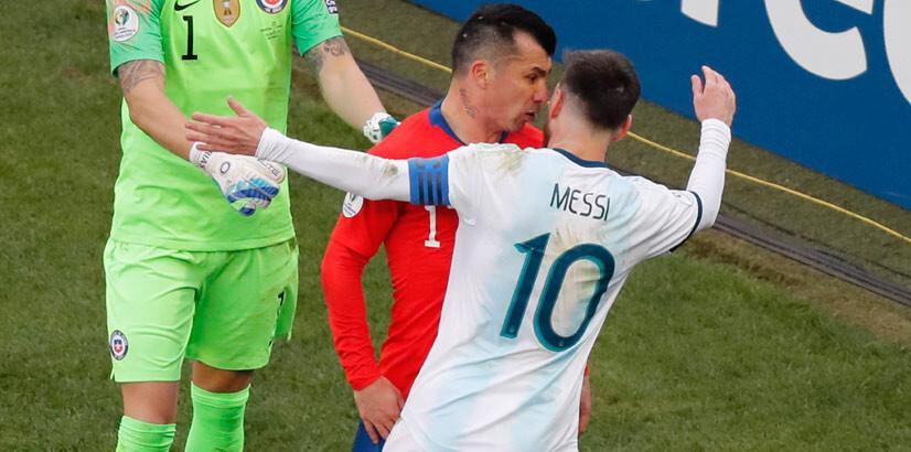 Messi: Medel kırmızı kart görmemeliydi