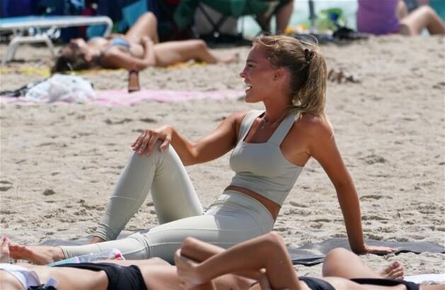 Miami'de yoga yaptı