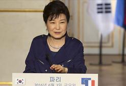 Güney Korenin eski Devlet Başkanı Parka 8 yıl hapis cezası daha