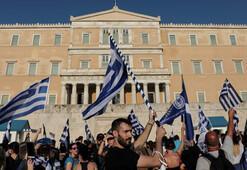 Makedonya anlaşması Yunan siyasetini karıştırdı