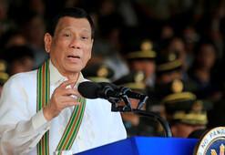 Dutertenin yine ağzından çıkanı kulağı duymadı O.... çocuğu, boş kafa...