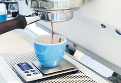 Ortamlarda üçüncü dalga kahveden anlıyorum dersin