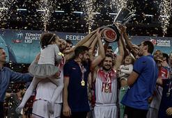Türkiye Basketbol Ligi Federasyon Kupasında şampiyon Tofaş