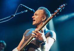 Sting, Paris katliamının birinci yılında konser verdi