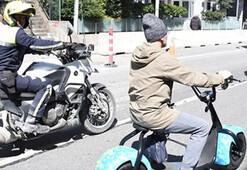 Ozan Güvenin elektrikli bisikletine polis kontrolü