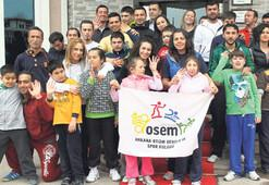 Otizm hastası çocukları sporla yaşama katıyorlar