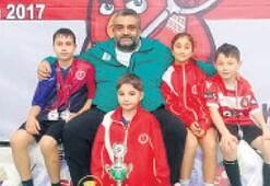 Bergama BLD Badmintonda ikinci oldu