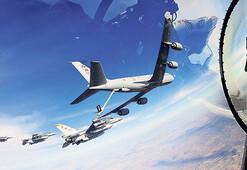 F16'ya havada yakıt ikmali