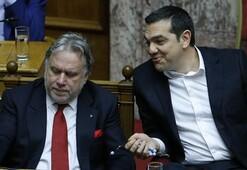 Son dakika: Yunanistan Makedonyanın NATO üyeliğini onayladı