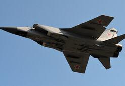 İngiliz ve Fransız jetlerinden Rus uçaklarına engelleme
