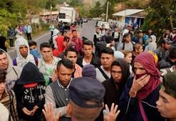 ABDde yeni göçmen dalgası Yüzlerce kişi sınıra ulaştı