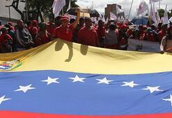 Venezuelada hükümet taraftarları da 9 Martta sokakta