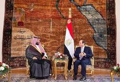 Bin Selmanın Mısır ziyareti bayrak tartışmalarının gölgesinde kaldı