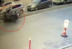 Ümraniyede feci motosiklet kazası Kask kafasından çıktı ve...