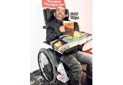 Engelli yazar okurlarıyla