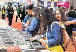 İzmirlilerin gözdesi bilim kurgu ve roman