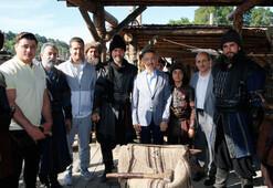 Cumhurbaşkanı Yardımcısı Oktaydan Diriliş Ertuğrul setine ziyaret