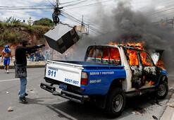 Honduras karıştı