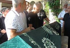 Ünlü rapçi Ceza'nın babası son yolculuğuna uğurlandı