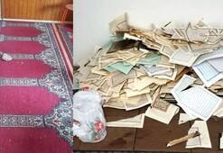 Almanyada camilere saldırı 50 Kuran-ı Kerim tahrip edildi