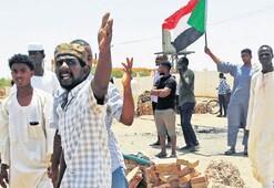Sudan'da şimdi de grev başladı