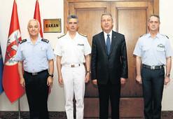 Yunan heyeti başkanı Akar'ı ziyaret etti