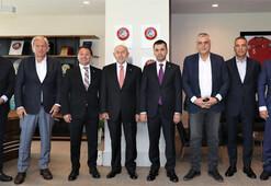 Kulüp başkanlarından Nihat Özdemire ziyaret