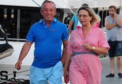 Ali Ağaoğlu eski eşi ile yürüyüş yaptı