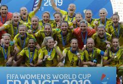 İsveç, İngiltereyi yıktı 3 gol sesi...