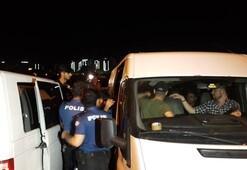 Polisi görünce 20 kaçak göçmeni bırakıp kaçtılar