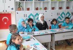 Emine Erdoğan'dan Maarif Okullarına ziyaret