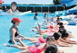 Torbalıda ücretsiz yüzme kursu