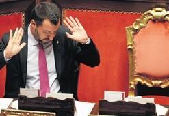 Salvini'ye 'mermili mektup'