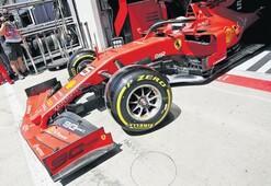 Ferrari'de 2 kaçak göçmen