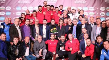 Serbest Erkek Güreş Milli Takımı, rekor kırarak Avrupa ikincisi oldu