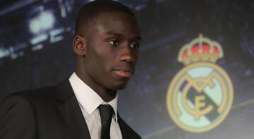 Real Madrid, Mendy'yi tanıttı