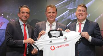 Beşiktaş'ta forma reklam sponsorluğu 36 milyon TL'ye yenilendi